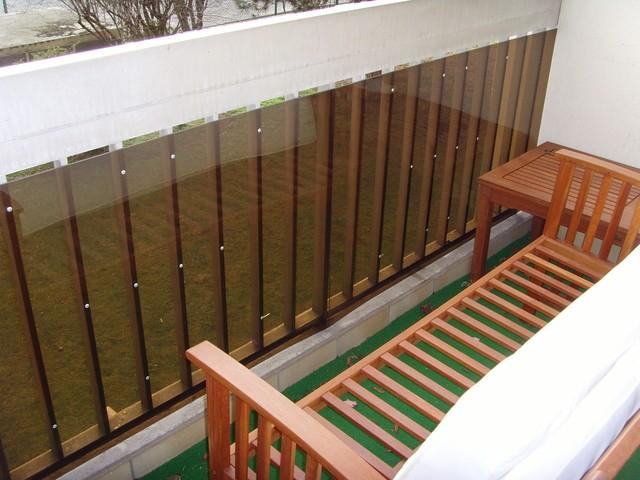 style et protection d 39 un balcon plastic de s curit. Black Bedroom Furniture Sets. Home Design Ideas