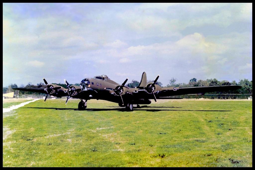 B-17E restauré (à voir absolument) 06051511