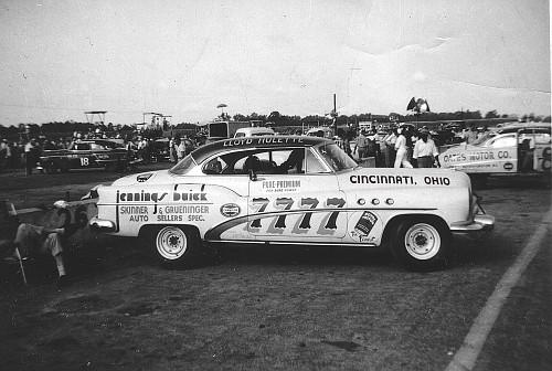 HISTOIRE DE NASCAR - Page 3 7lloyd10