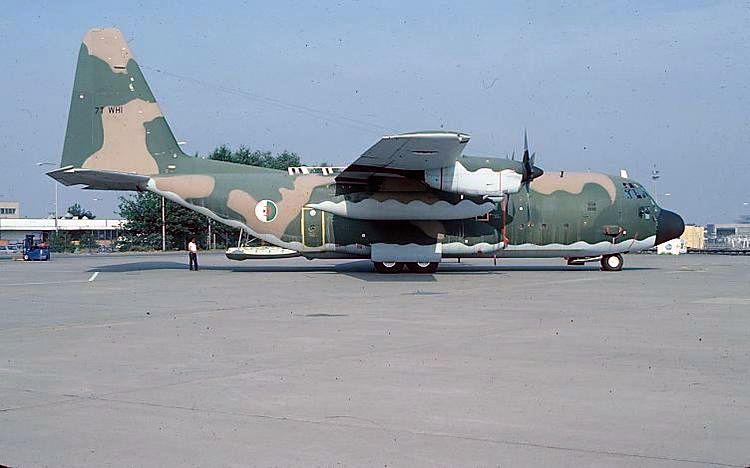 طائرة النقل سى-130 هرقل  CC-130 Hercules 7t-whi10