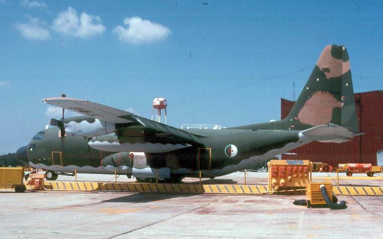 طائرة النقل سى-130 هرقل  CC-130 Hercules 7t-whr10