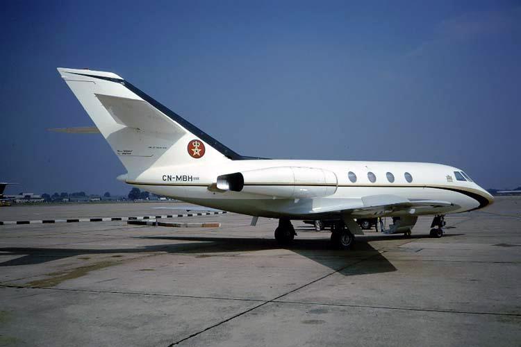 FRA: Avions VIP, Liaison & ECM Cn-mbh10