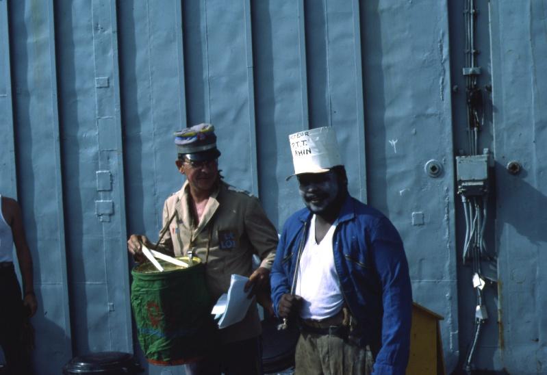 [ Les traditions dans la Marine ] LE PASSAGE DE LA LIGNE - ÉQUATEUR (Sujet unique) 1983_011