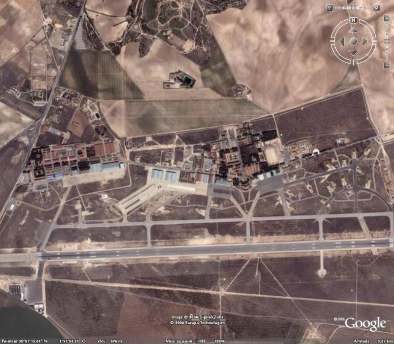 Hélicoptères militaires dans Google Earth - Page 2 Usine_10
