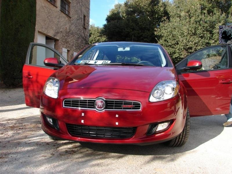 FIAT BRAVO MK2 : photos officielles - Page 2 Fiat_b10