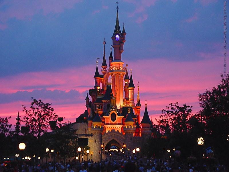 DisneyLand Resort Paris Backgr11
