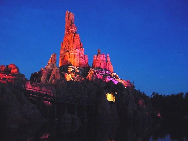 DisneyLand Resort Paris Btm00110
