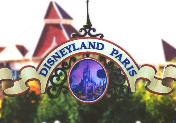 DisneyLand Resort Paris Entran10