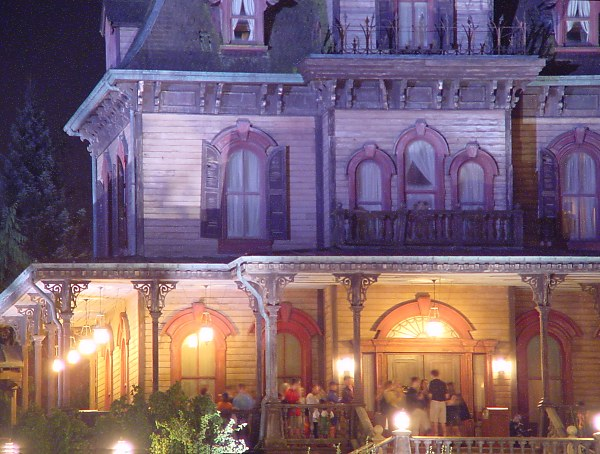 DisneyLand Resort Paris Phanto10