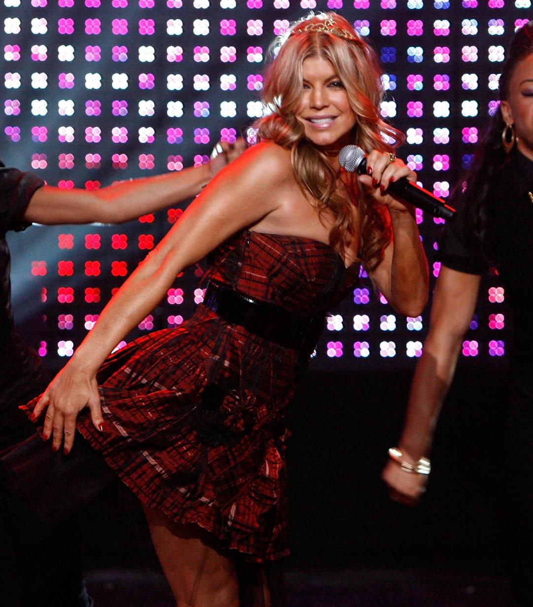 Fergie's Dick Clarks New Year's Rockin' Eve Performance Fergie30
