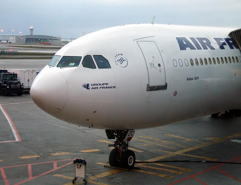 Aper u de mon spotting et voyage sur toronto af 340 300 for Interieur avion westjet
