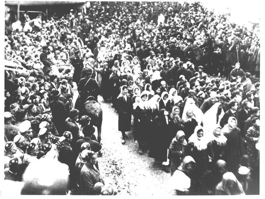 La révolution russe et la libération des femmes en images Tachke10
