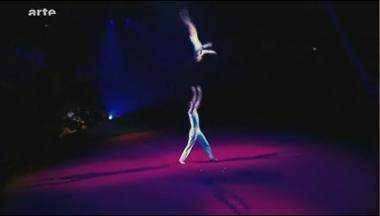 http://i12.servimg.com/u/f12/11/02/60/83/cirque12.jpg