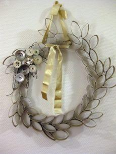 16 dcembre guirlande couronnes de nol en recup sandlo - Decoration de noel avec rouleau papier toilette ...