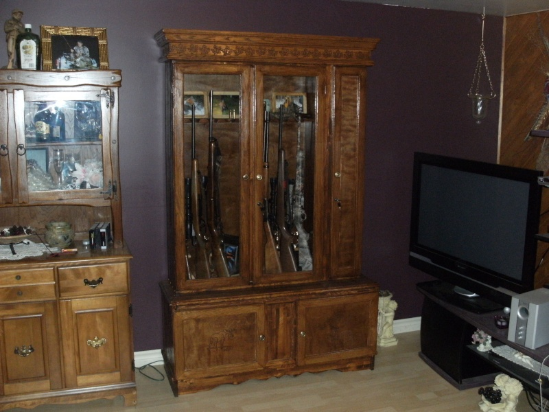 armoire a fusils pictures. Black Bedroom Furniture Sets. Home Design Ideas