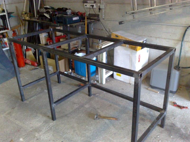 tuto meuble aquarium fait maison 1 3 chassi acier. Black Bedroom Furniture Sets. Home Design Ideas
