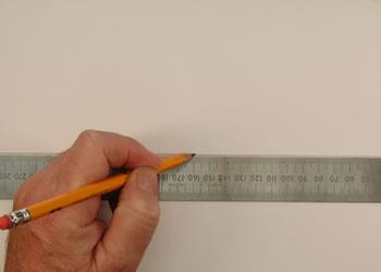 المسطرة والقلم