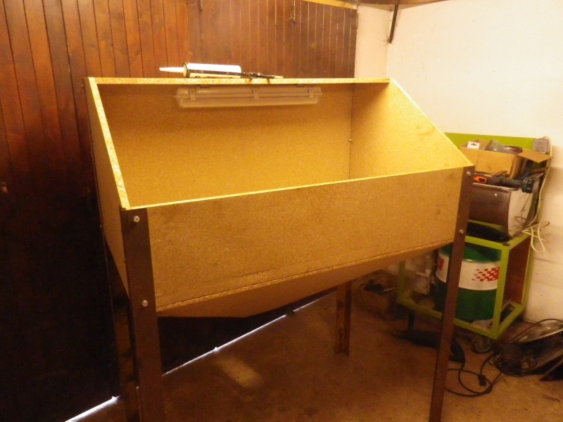 fabrication d 39 une cabine de sablage. Black Bedroom Furniture Sets. Home Design Ideas