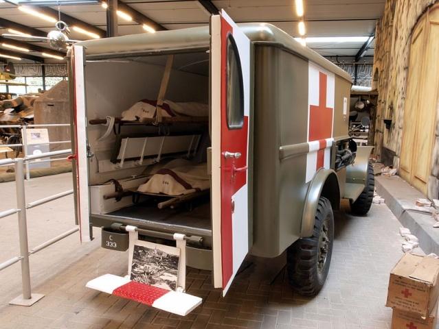 dodge wc 54 ambulance echelle 1 35 page 2. Black Bedroom Furniture Sets. Home Design Ideas