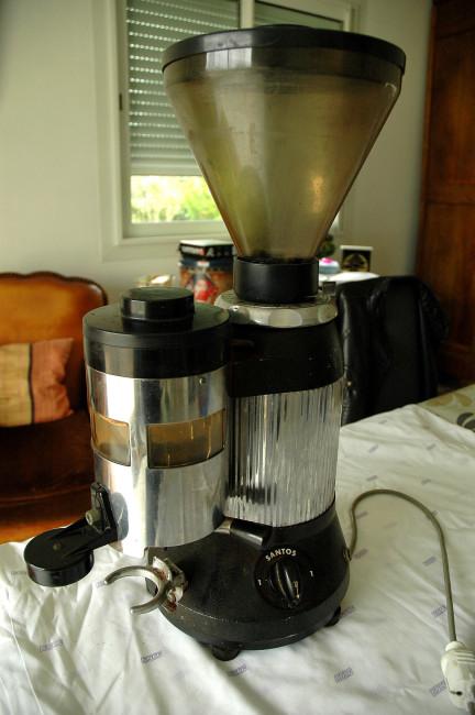 d montage et nettoyage d 39 un moulin santos 6 a. Black Bedroom Furniture Sets. Home Design Ideas