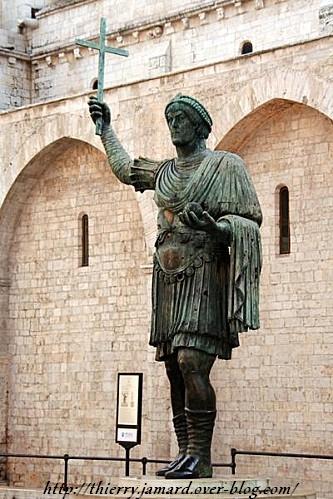 alfarano sindaco barletta statue - photo#14
